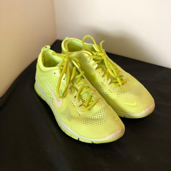 lime green nike free run